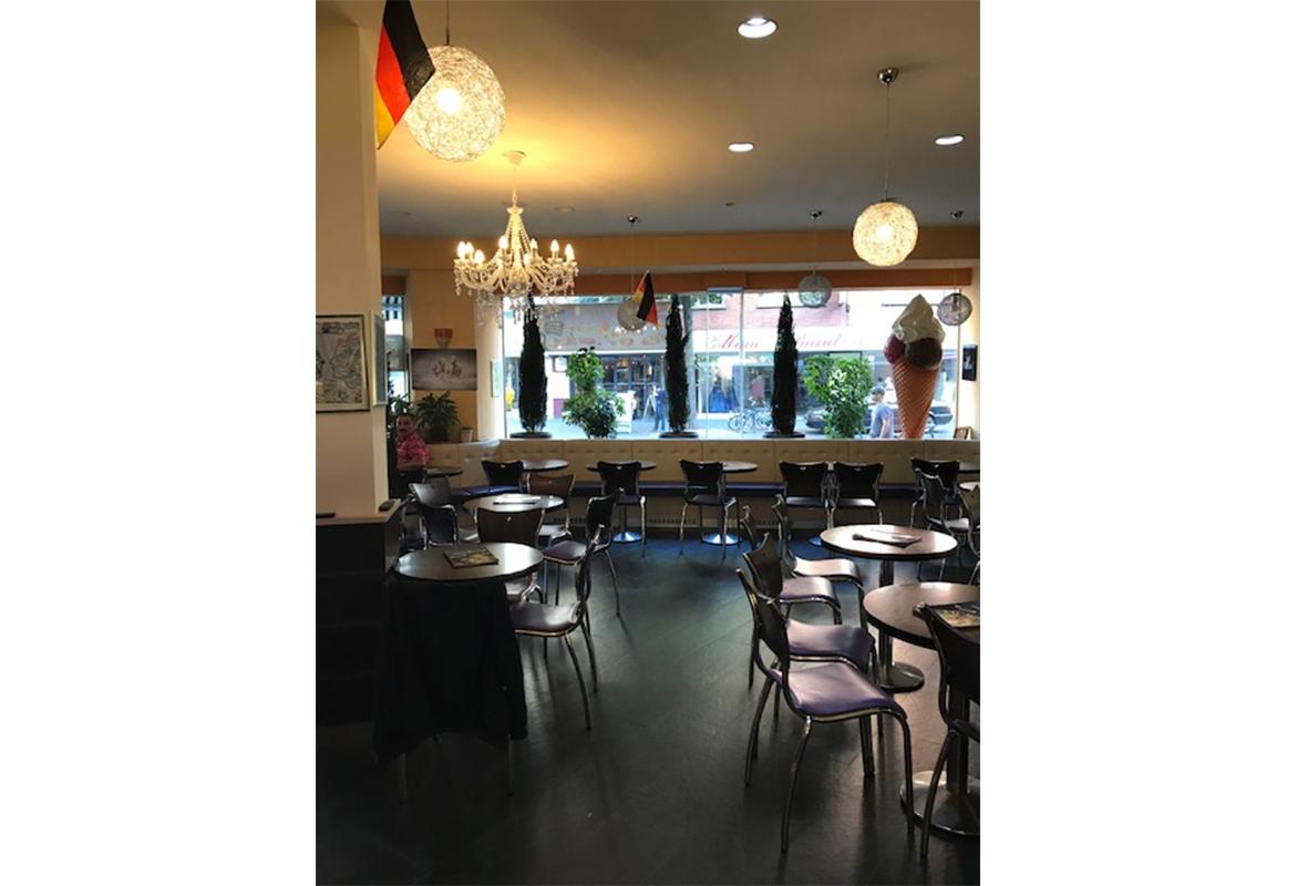 Eis Café Delmondo